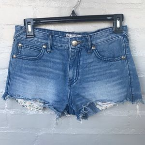 Free People short frayed edge shorts size W25